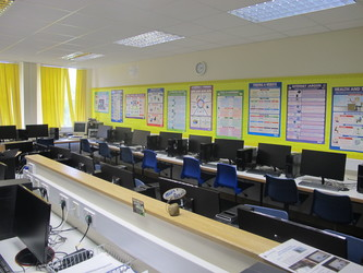 IT Suite - St Edward's School - Gloucestershire - 1 - SchoolHire