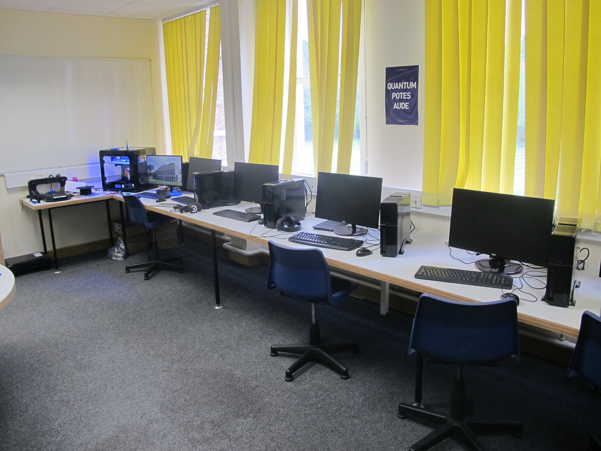 IT Suite - St Edward's School - Gloucestershire - 4 - SchoolHire