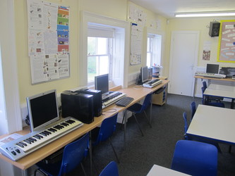 Music Room - St Edward's School - Gloucestershire - 2 - SchoolHire