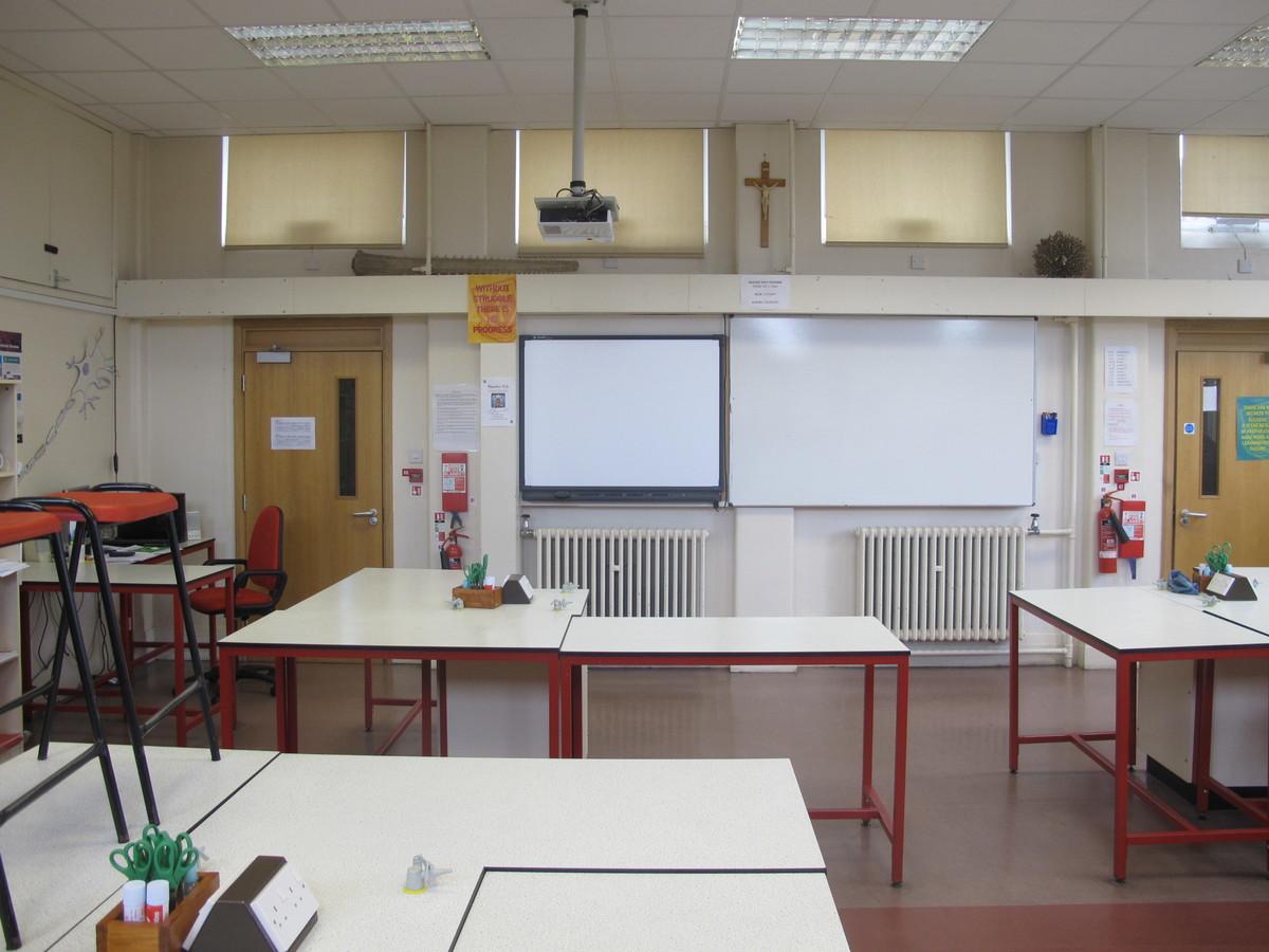 Science Classroom - St Edward's School - Gloucestershire - 1 - SchoolHire