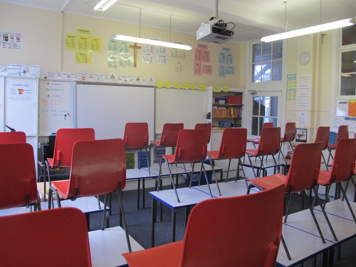 Standard Classrooms - St Edward's School - Gloucestershire - 1 - SchoolHire