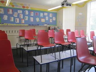 Standard Classrooms - St Edward's School - Gloucestershire - 2 - SchoolHire