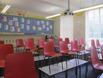 Standard Classrooms - St Edward's School - Gloucestershire - 4 - SchoolHire