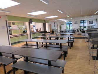Canteen - South Charnwood High School - Leicestershire - 2 - SchoolHire