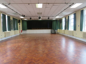 Main Hall - South Charnwood High School - Leicestershire - 1 - SchoolHire