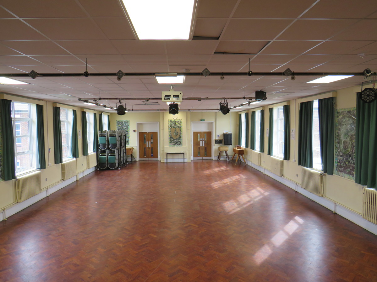 Main Hall - South Charnwood High School - Leicestershire - 4 - SchoolHire