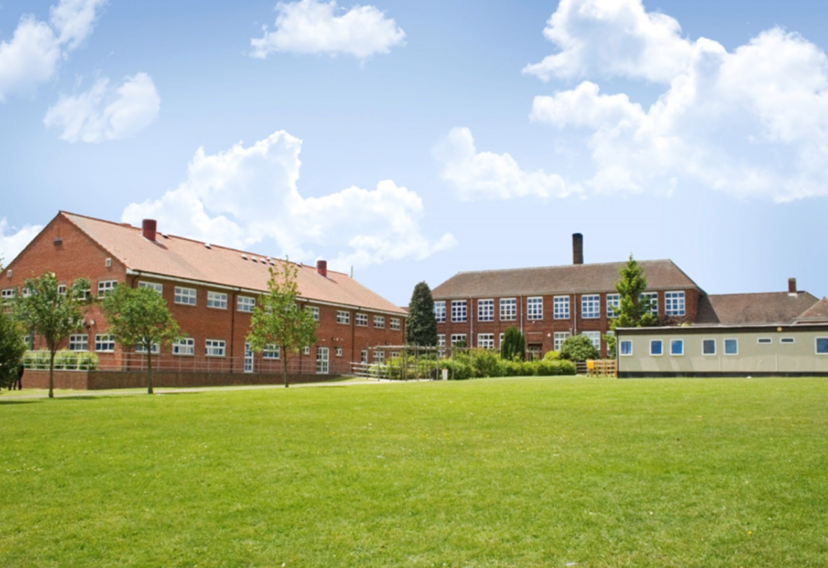 South Charnwood High School - Leicestershire - 1 - SchoolHire