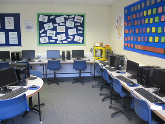 ICT Suite - St Edward's Preparatory  - Gloucestershire - 3 - SchoolHire