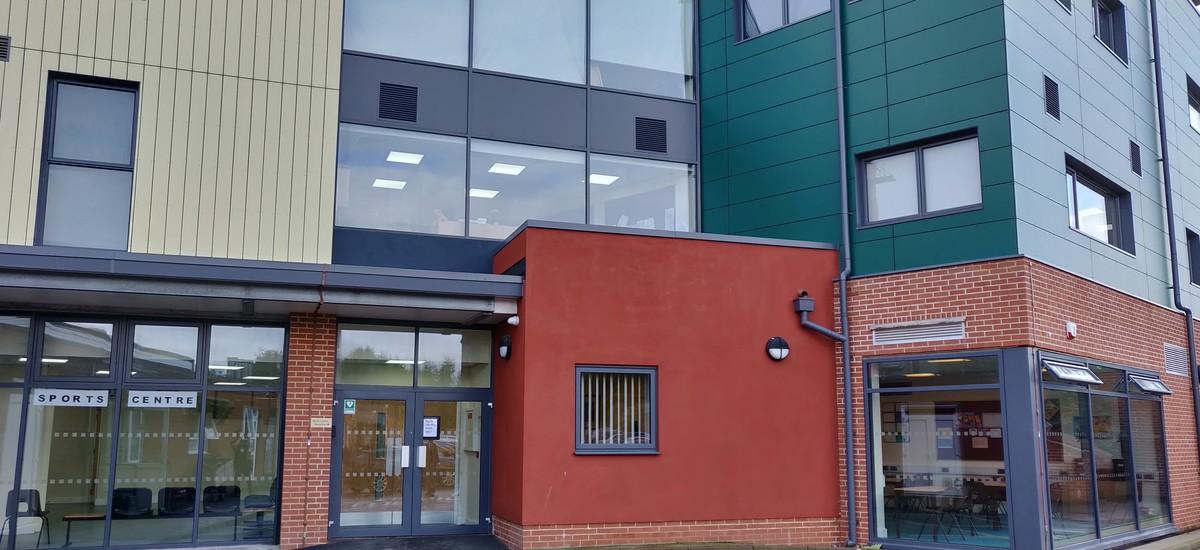 SLS @ Darrick Wood School - Bromley - 2 - SchoolHire