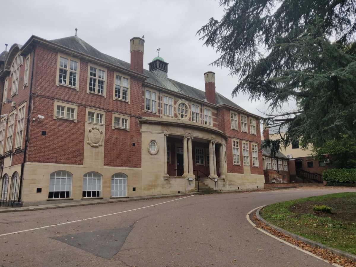 SLS @ Robert Smyth Academy - Leicestershire - 1 - SchoolHire