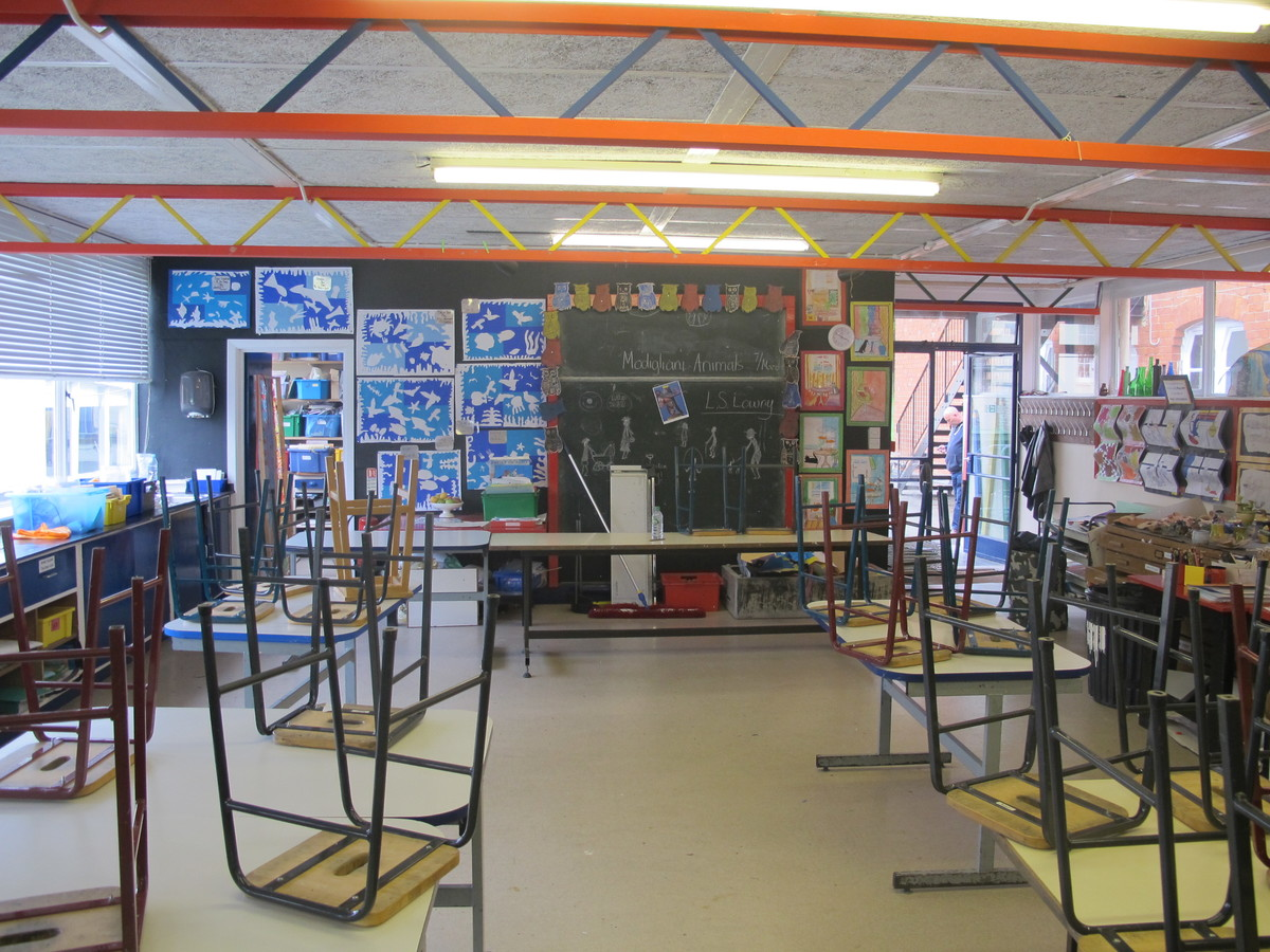 Art Room - St Edward's Preparatory  - Gloucestershire - 2 - SchoolHire
