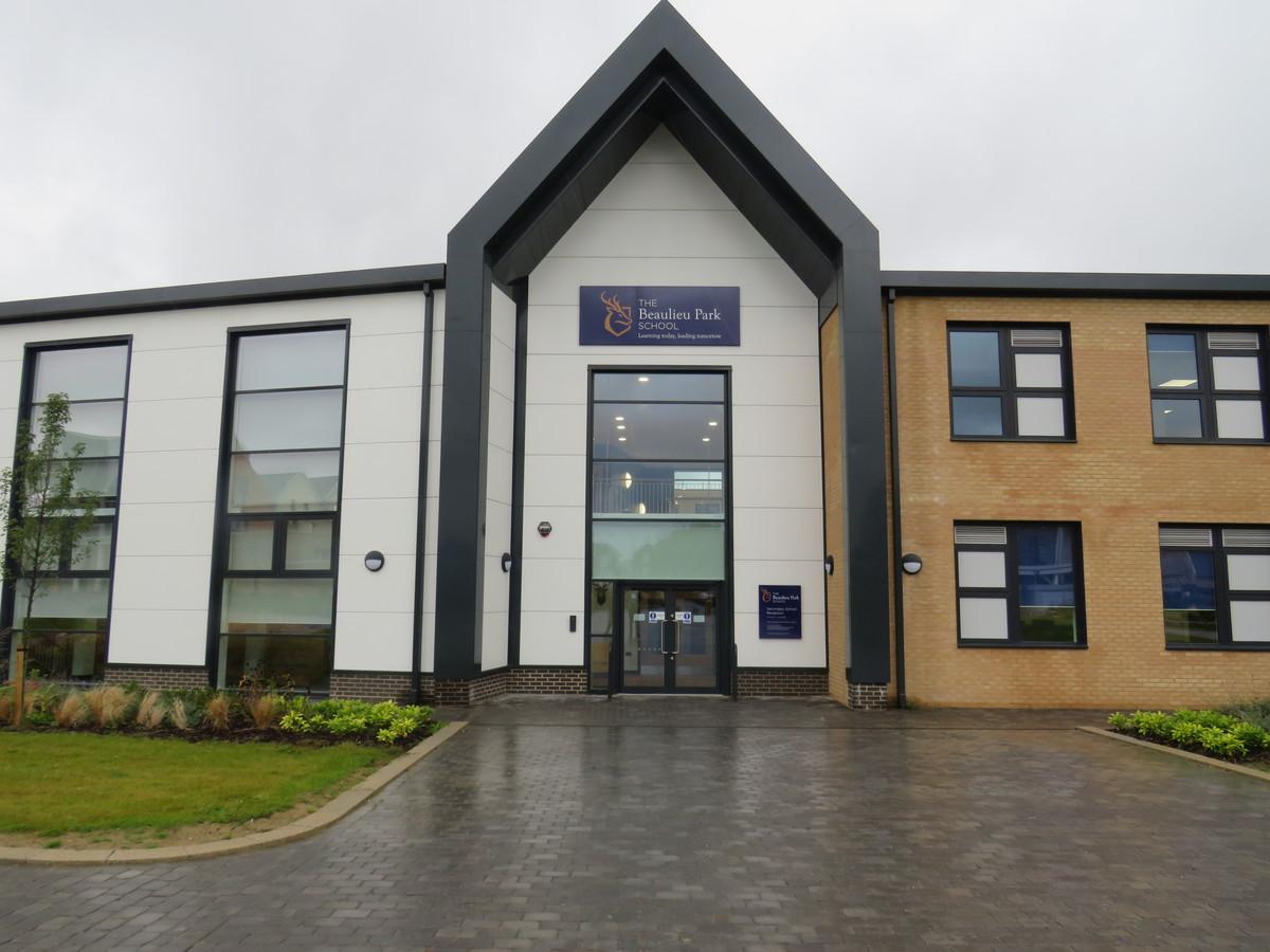 The Beaulieu Park School - Essex - 1 - SchoolHire