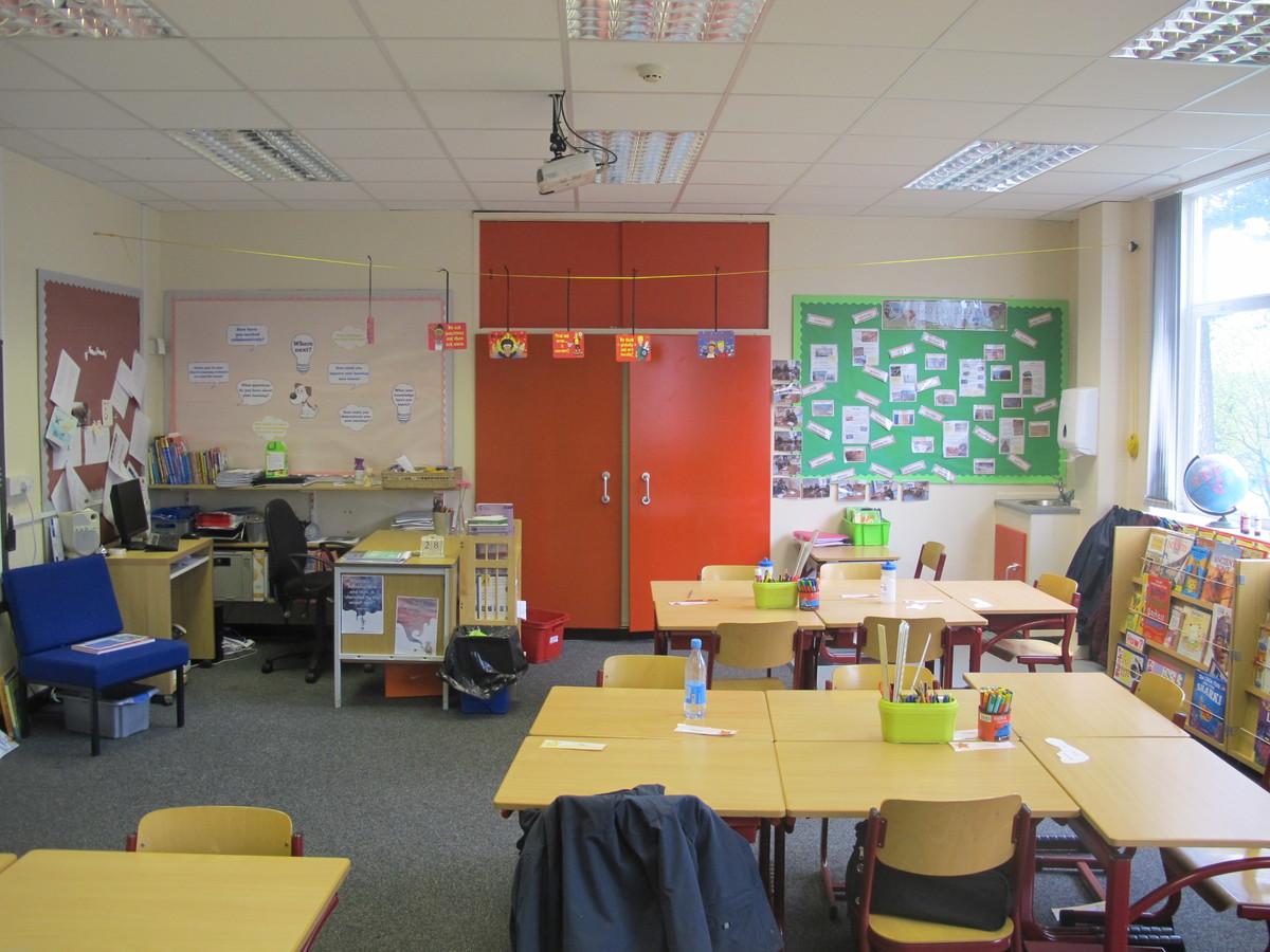 Classrooms - Senior - St Edward's Preparatory  - Gloucestershire - 2 - SchoolHire