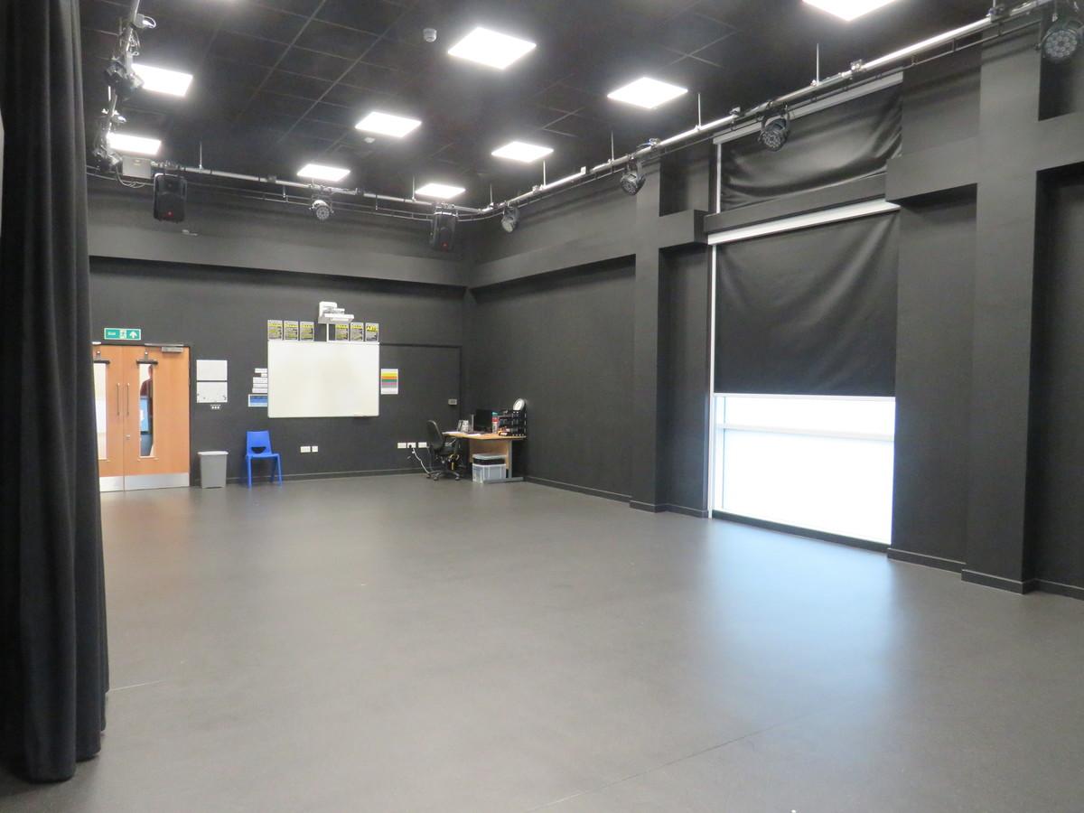 Drama Studio - The Beaulieu Park School - Essex - 4 - SchoolHire