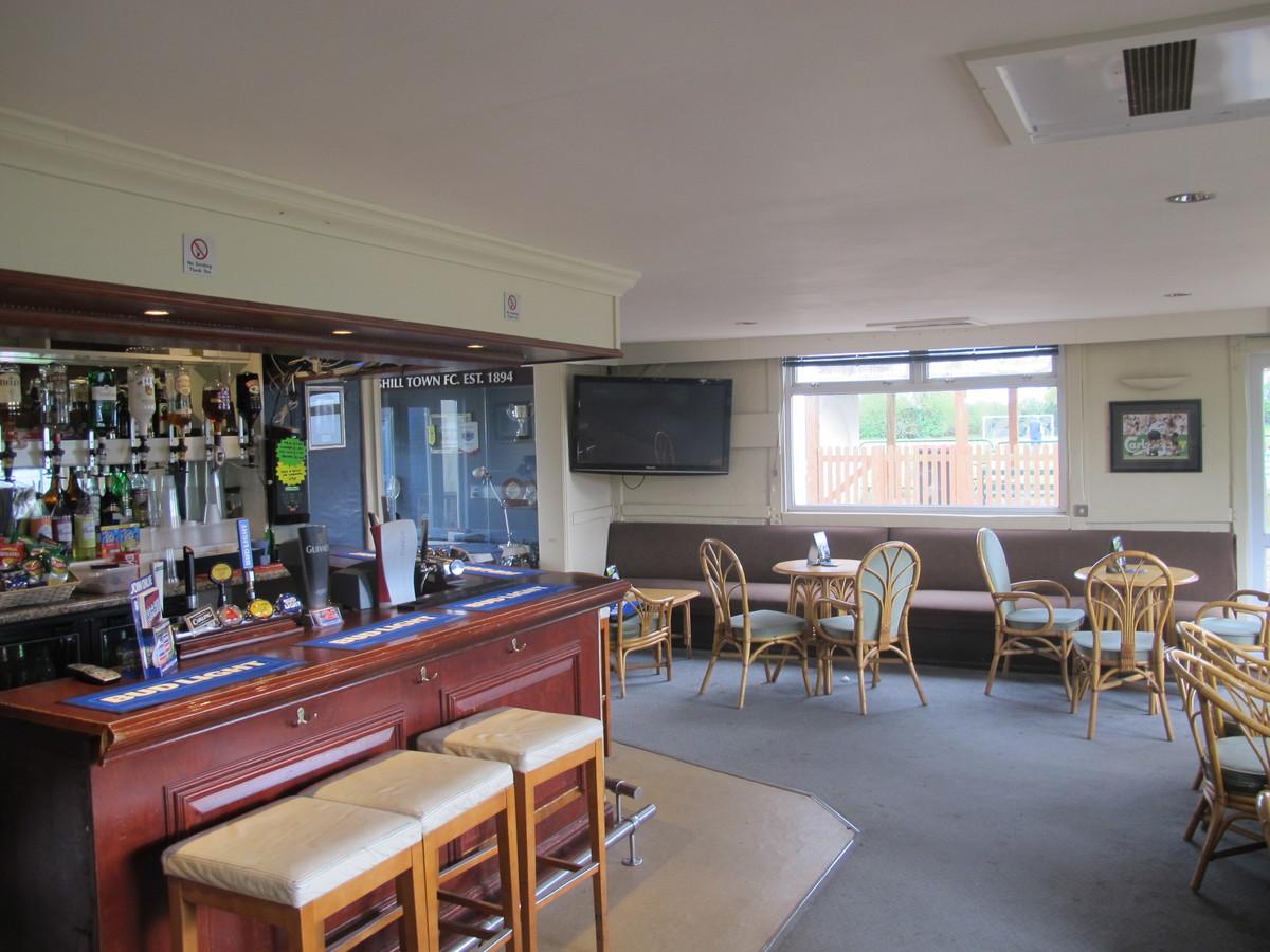 Bar & Outside Space - Pack Meadow - Warwickshire - 2 - SchoolHire