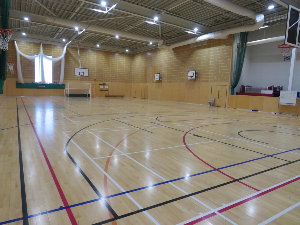 Sports Hall - Drapers' Academy - Havering - 1 - SchoolHire