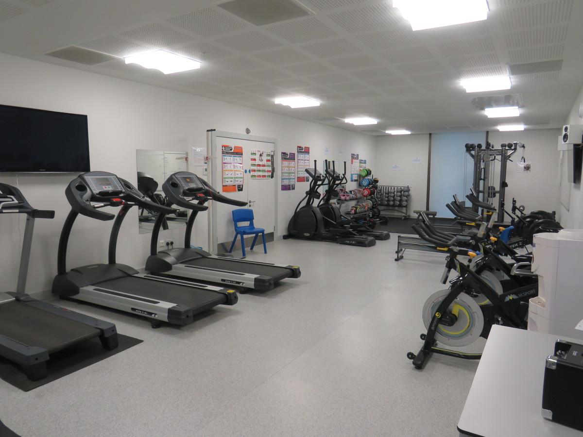 Fitness Suite - Drapers' Academy - Havering - 1 - SchoolHire