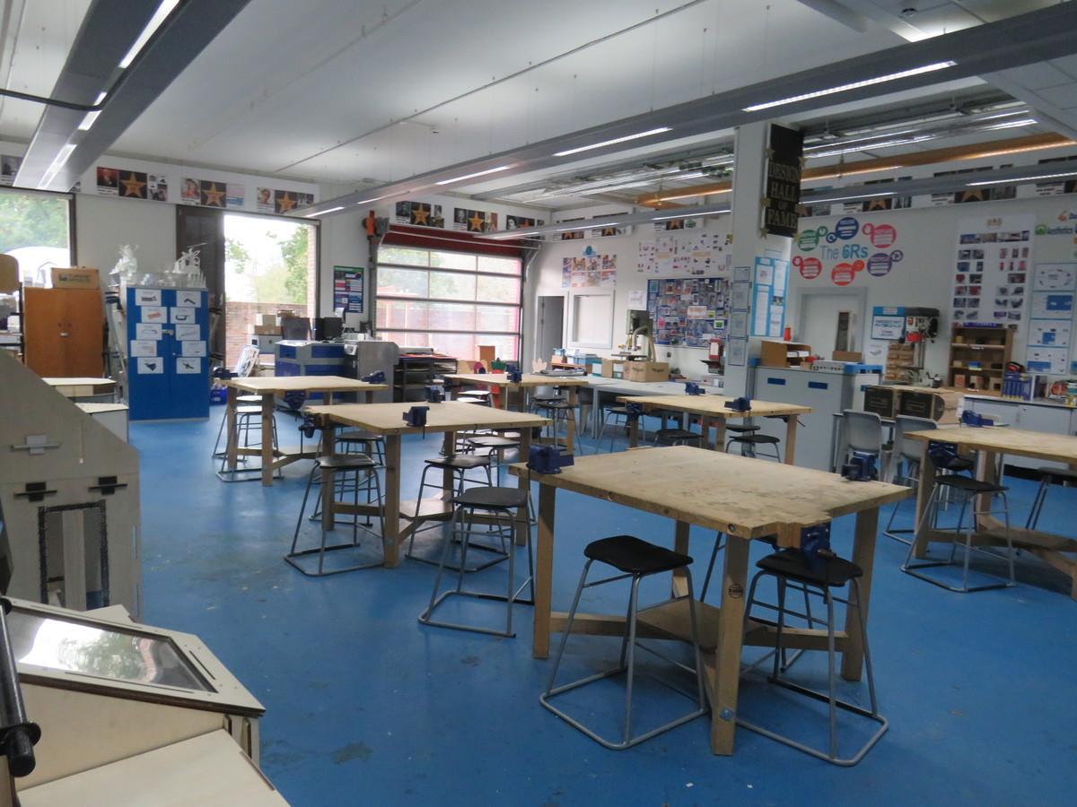 Tech Workshop - Drapers' Academy - Havering - 2 - SchoolHire