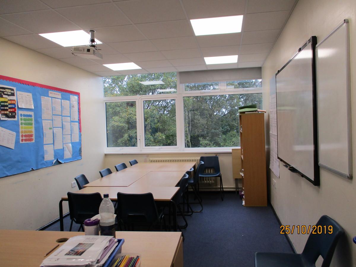 Small Classroom (MA2) - Burnt Mill Academy - Essex - 1 - SchoolHire