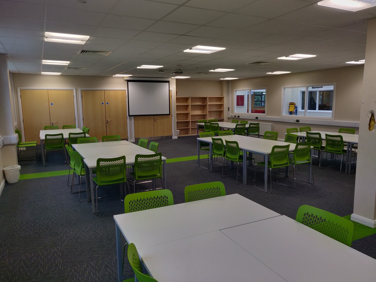 Double Classroom - SLS @ Upton Court Grammar School - Slough - 1 - SchoolHire
