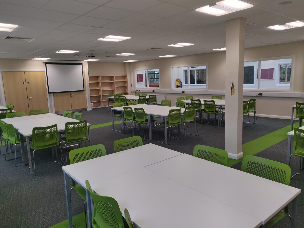 Double Classroom - SLS @ Upton Court Grammar School - Slough - 3 - SchoolHire