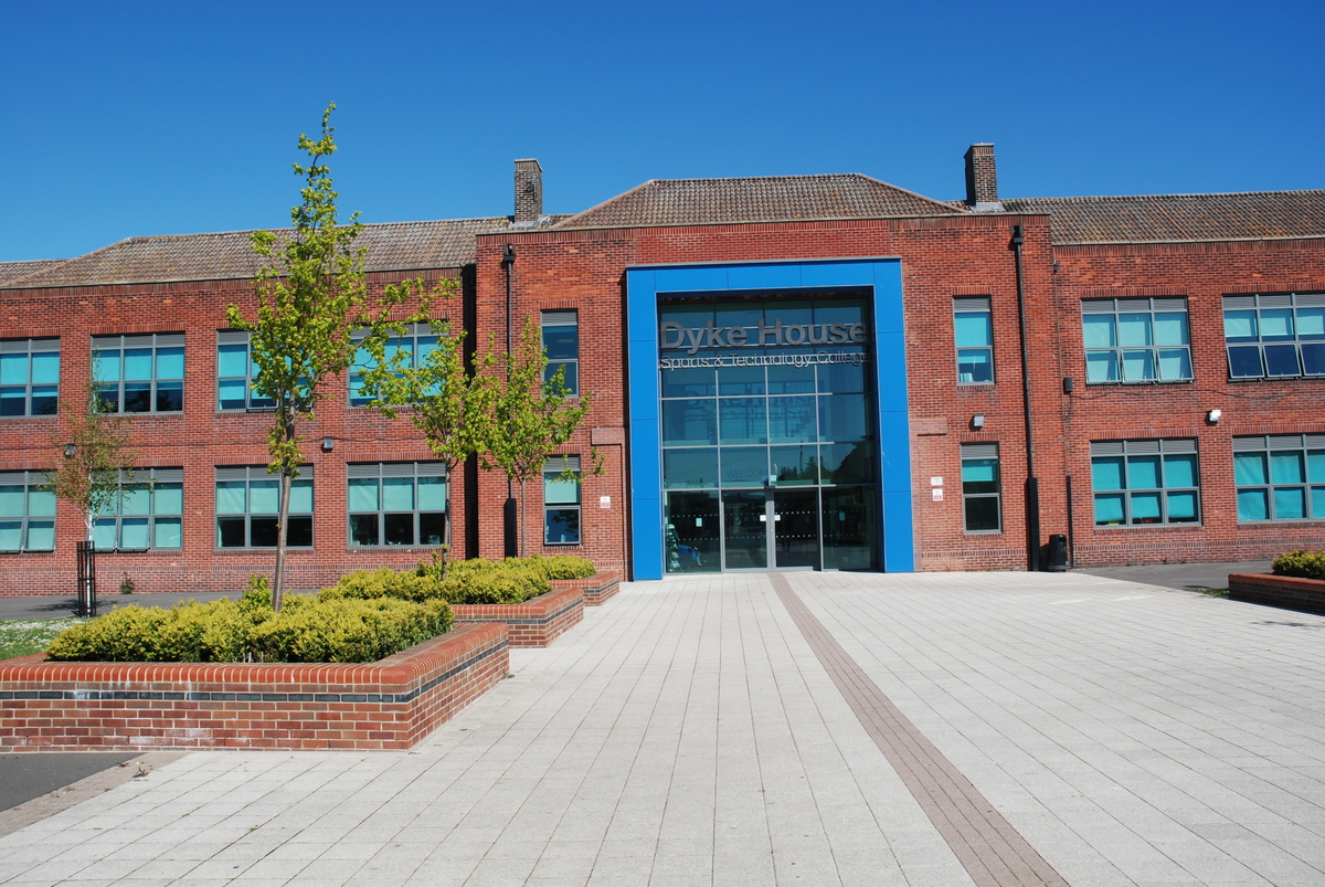 Dyke House Sports & Technology College - Hartlepool - 1 - SchoolHire