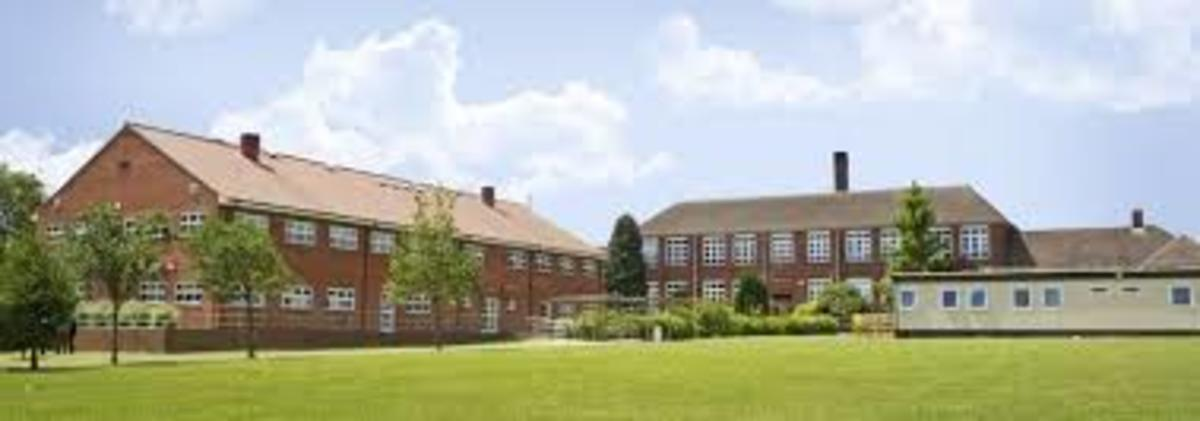 School Grounds - South Charnwood High School - Leicestershire - 1 - SchoolHire