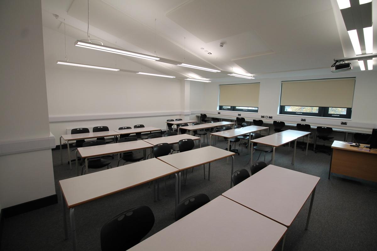 Classroom  - SLS @ Tile Cross Academy - Birmingham - 3 - SchoolHire