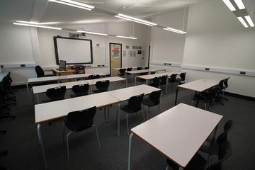 Classroom  - SLS @ Tile Cross Academy - Birmingham - 4 - SchoolHire