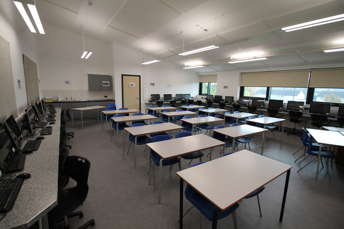 Multi-Purpose Room - SLS @ Tile Cross Academy - Birmingham - 3 - SchoolHire