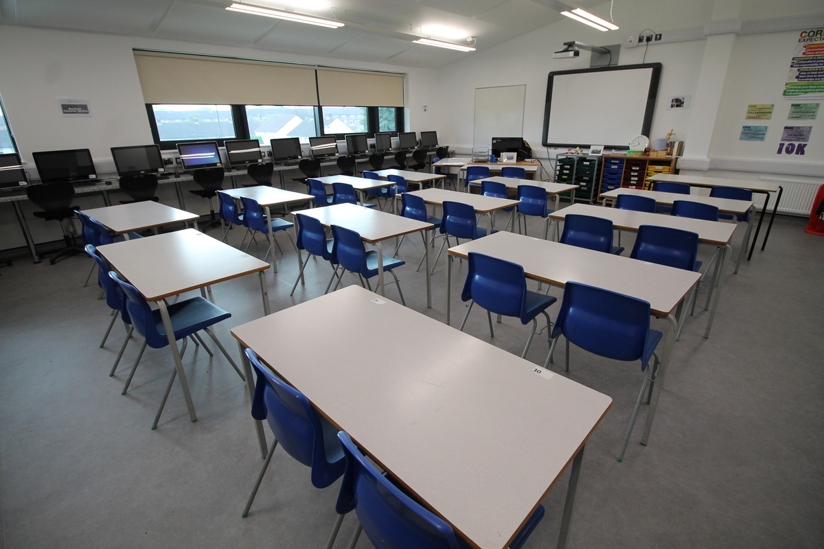 Multi-Purpose Room - SLS @ Tile Cross Academy - Birmingham - 4 - SchoolHire