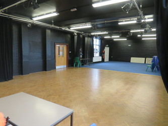 Drama Hall - Kingsdown School - Swindon - 1 - SchoolHire