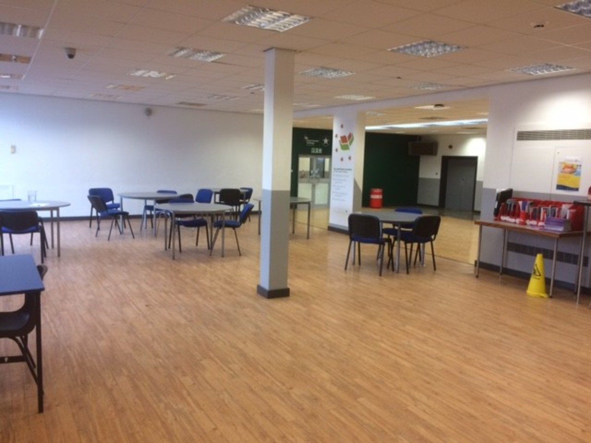 Grove Room - Charnwood College - Leicestershire - 3 - SchoolHire