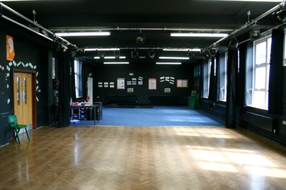 Drama Hall - Kingsdown School - Swindon - 2 - SchoolHire