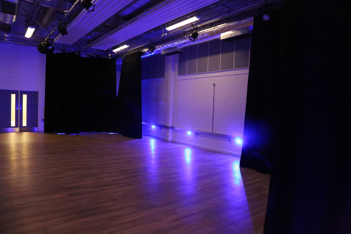 Auditorium - Arena (BRC) - Paignton Academy - Devon - 3 - SchoolHire