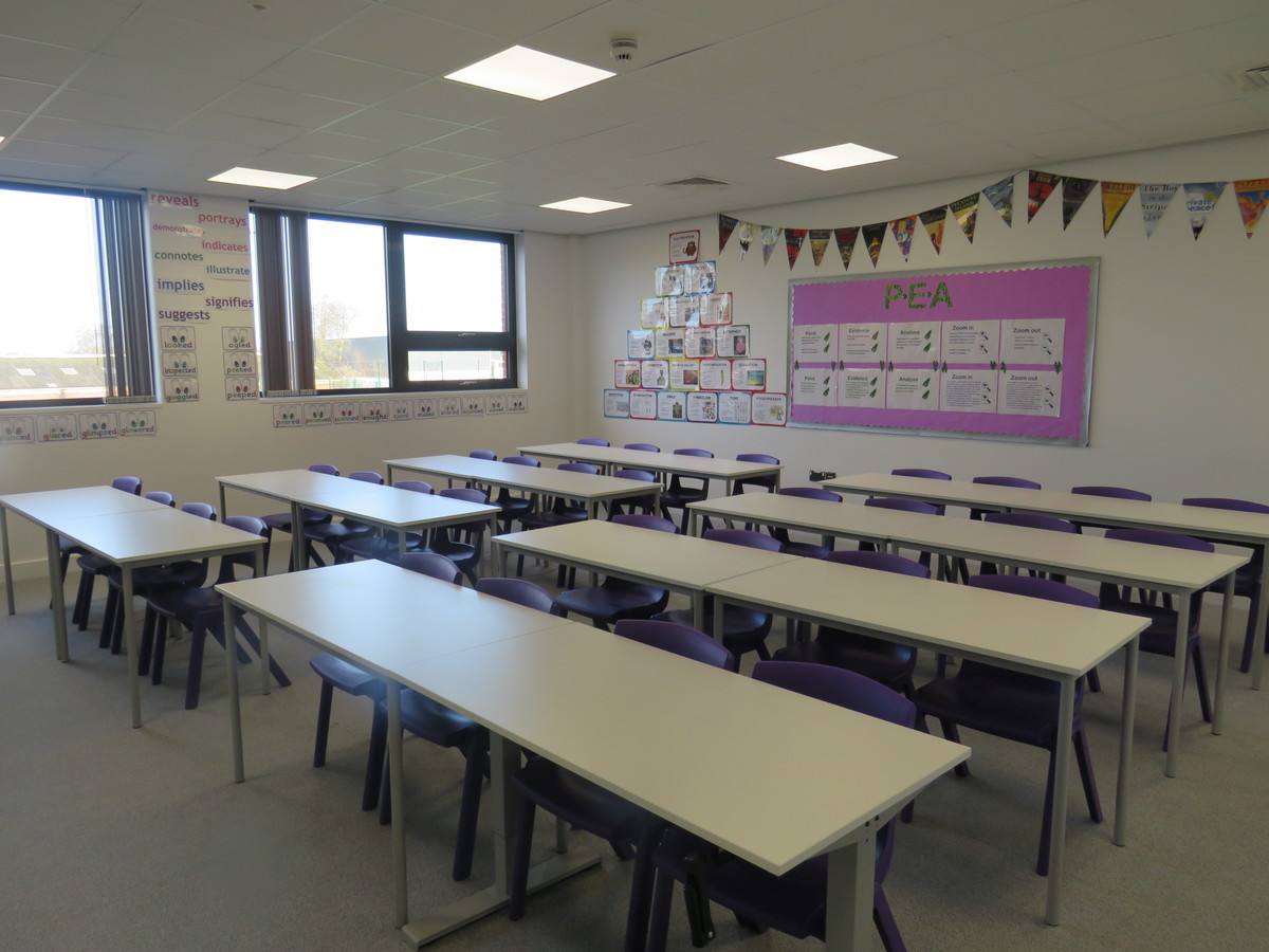Classrooms - Chertsey High School - Surrey - 1 - SchoolHire
