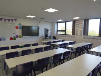 Classrooms - Chertsey High School - Surrey - 2 - SchoolHire