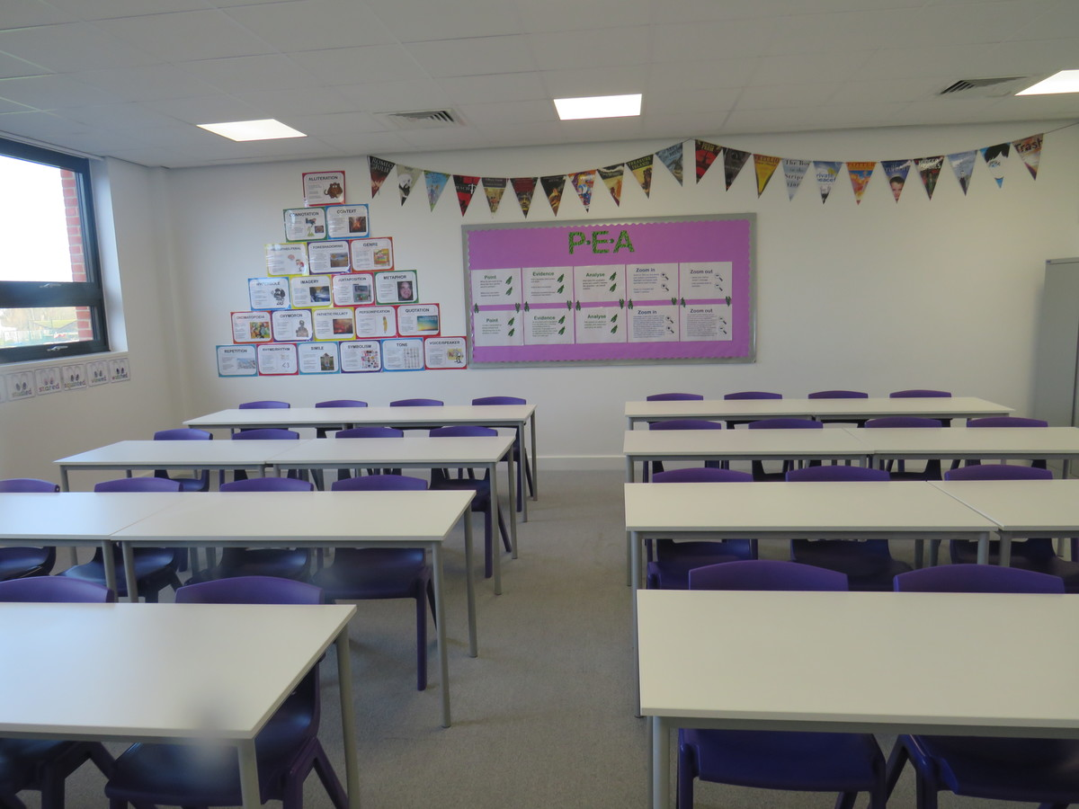 Classrooms - Chertsey High School - Surrey - 3 - SchoolHire