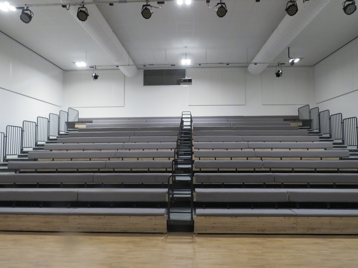 Main Hall - Chertsey High School - Surrey - 3 - SchoolHire