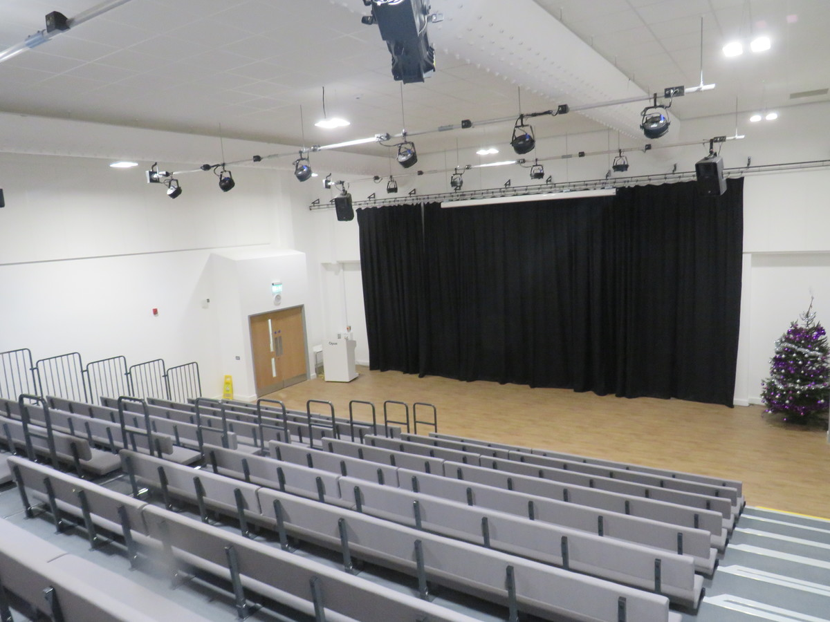 Main Hall - Chertsey High School - Surrey - 4 - SchoolHire