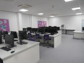 ICT Suite - Chertsey High School - Surrey - 1 - SchoolHire