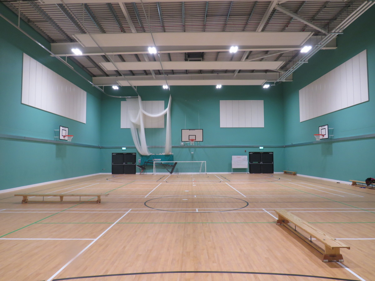 Sports Hall - Chertsey High School - Surrey - 3 - SchoolHire