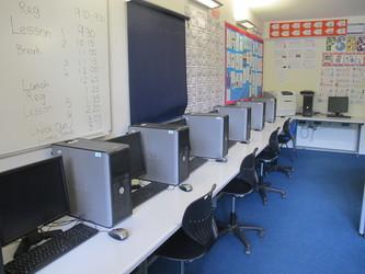 ICT Suite - Elms School - Kent - 2 - SchoolHire