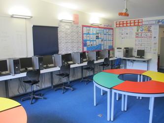 ICT Suite - Elms School - Kent - 4 - SchoolHire