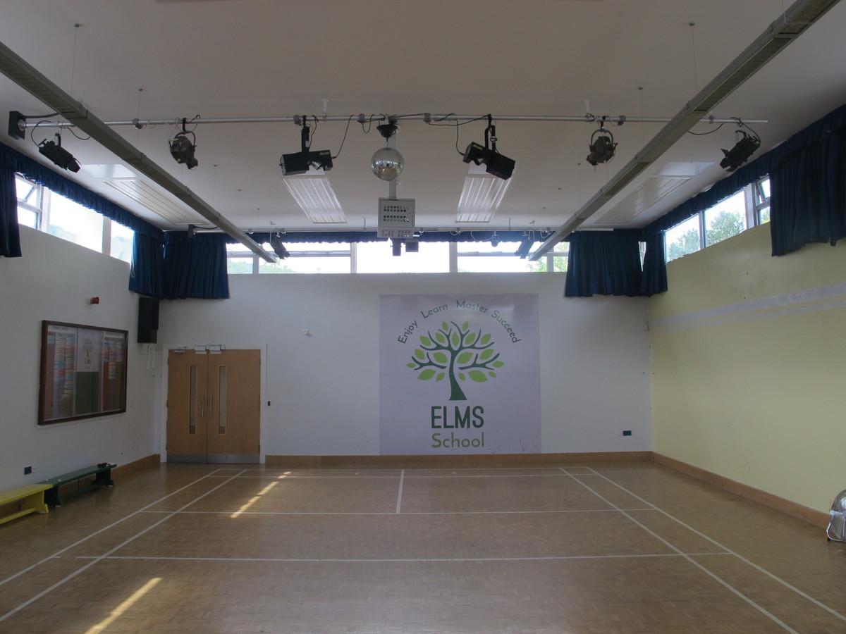 Main Hall - Elms School - Kent - 1 - SchoolHire