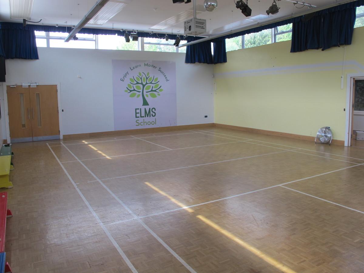Main Hall - Elms School - Kent - 3 - SchoolHire