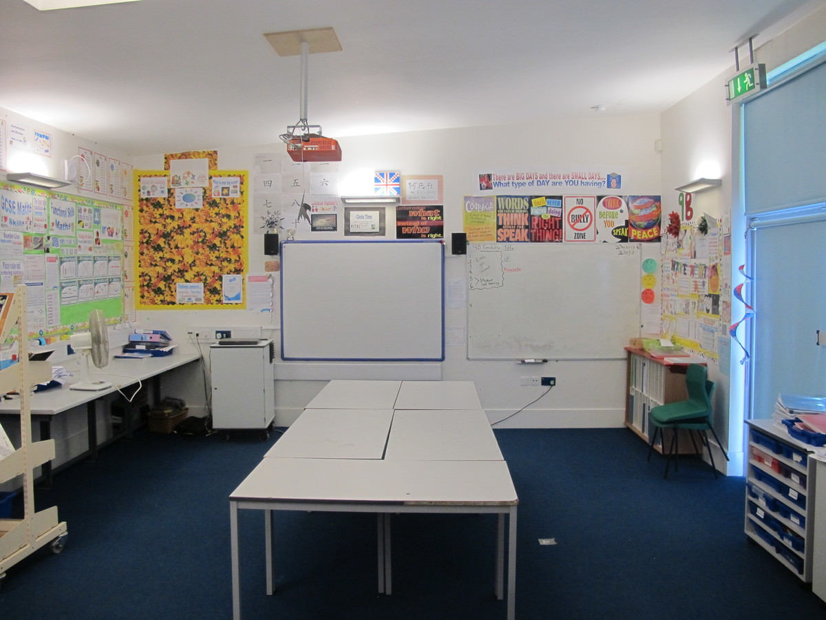 Classrooms - Secondary - Elms School - Kent - 1 - SchoolHire
