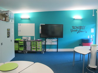 Music Room - Elms School - Kent - 4 - SchoolHire