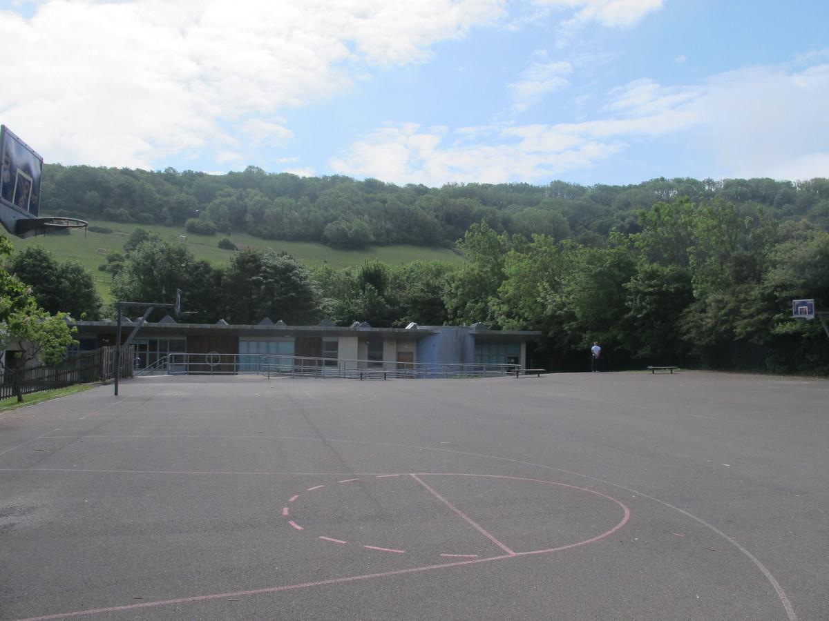 Outdoor MUGA - Elms School - Kent - 2 - SchoolHire