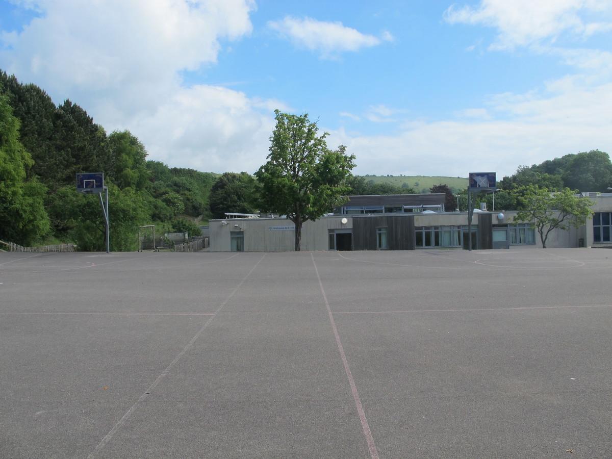 Outdoor MUGA - Elms School - Kent - 4 - SchoolHire
